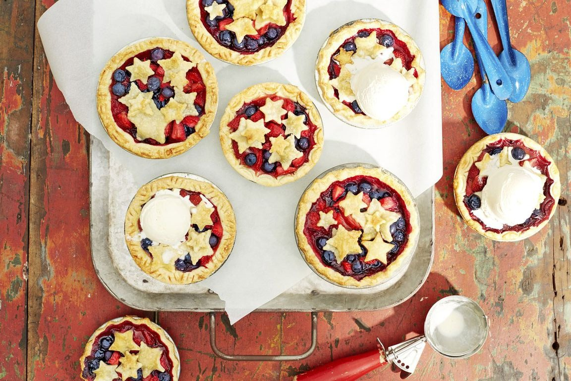 Celebrate Independence Day with these Sweet Treats and Bubbly Refreshments