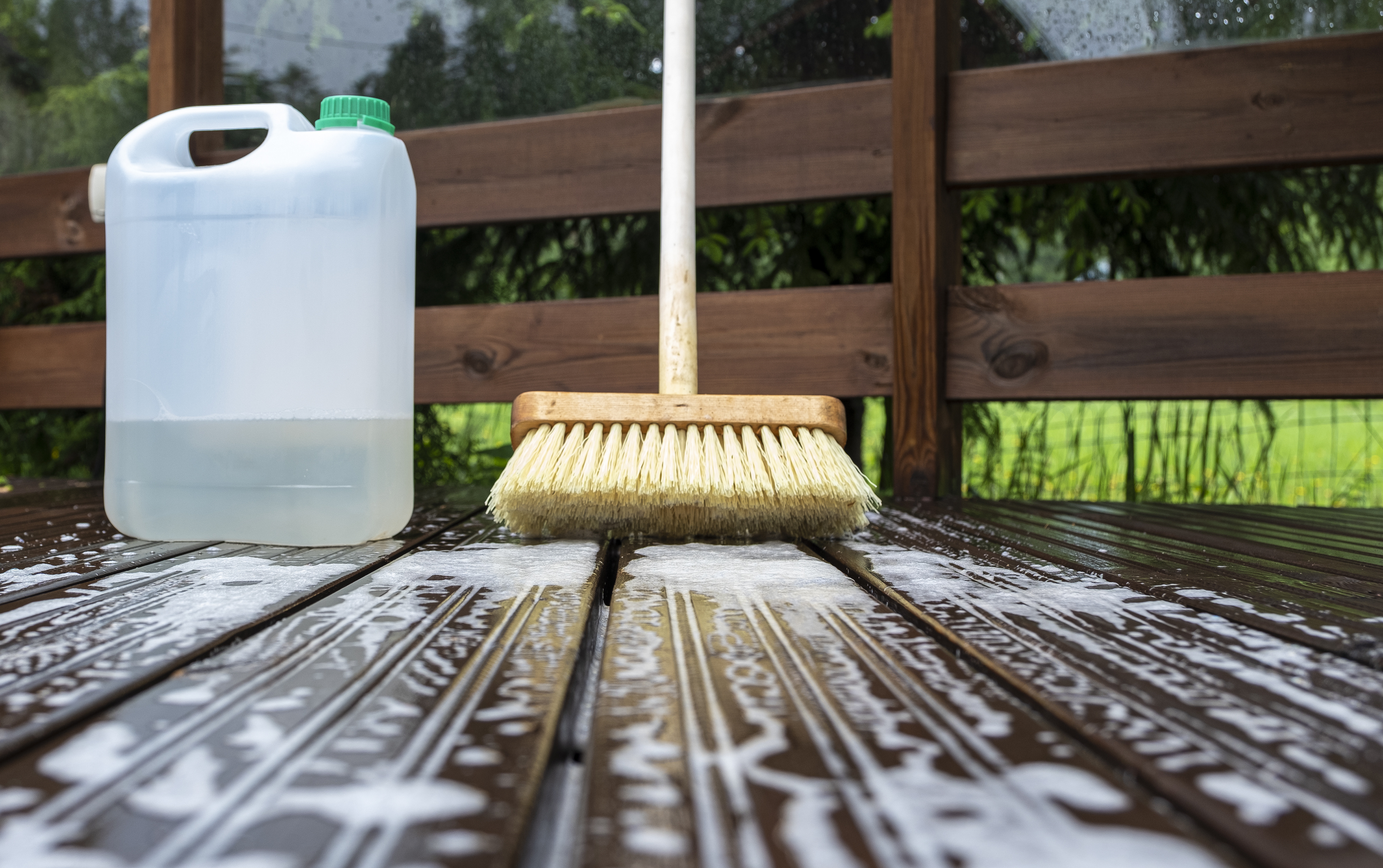 4 Compelling Tips for Deck Maintenance